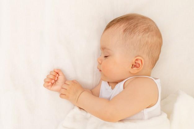 3 segreti per evitare di alzarti di notte con il cosleeping